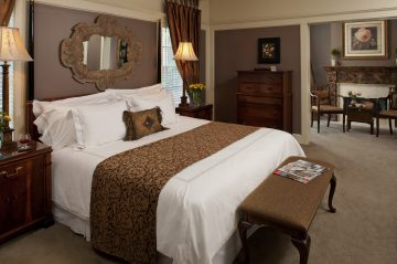 Leopard Rose Suite