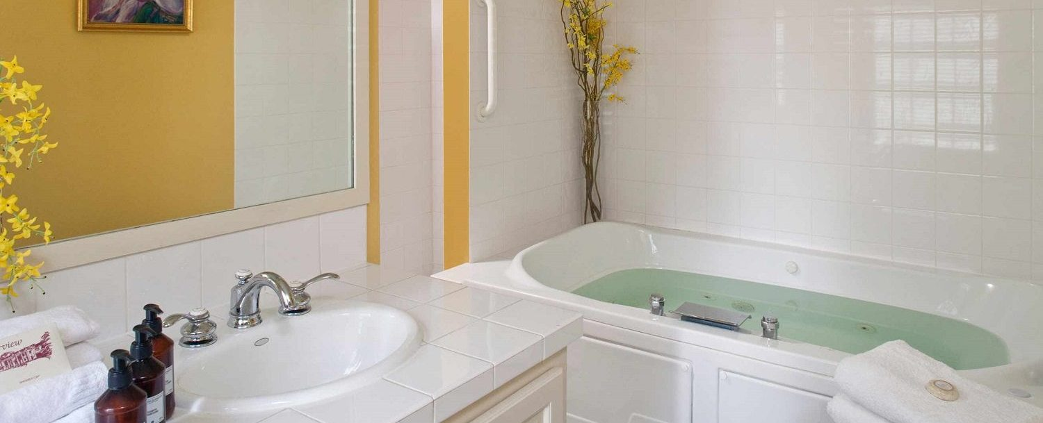 Spanish Suite | Fireplace & Jacuzzi | Fairview Inn