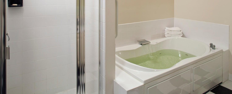 Eudora Welty Room bathtub